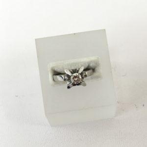 ダイヤの立て爪リングのリフォーム